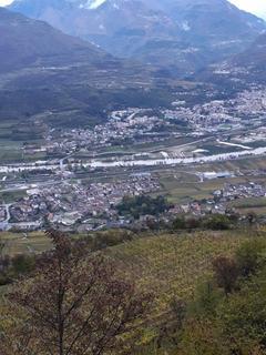 Villa e la Val di Riva allagata, vista da Pedersano